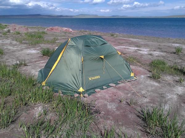 Палатка с внутренними дугами